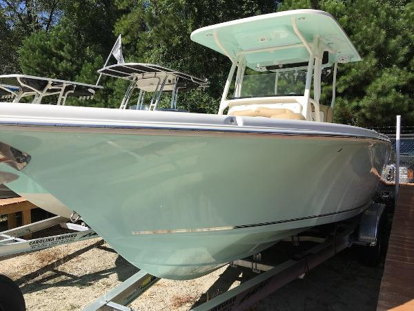 2015 Sportsman Boats Heritage 231 Center Console