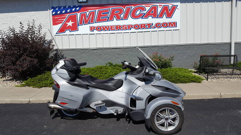 2010 Can-Am Spyder Roadster RT Audio And Convenience
