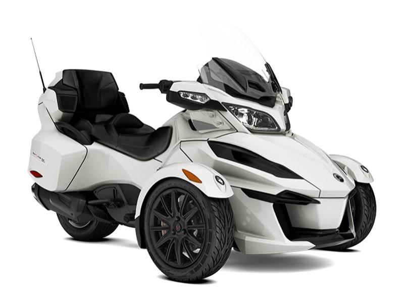 2018 Can-Am Spyder RT 6-speed manual with reverse (SM6)