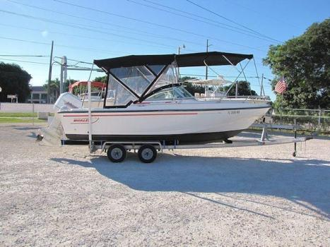 1996 20' Boston Whaler Duantless Dual Console