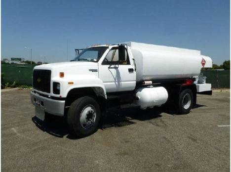 1992 Chevrolet C7500 2000 Gallon Fuel Tanker Truck WORK TRUCK