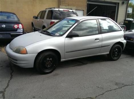 2000 Chevrolet Metro Hatchback LSi Coupe 2D