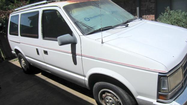 1989 TURBO Dodge Caravan Very rare van $2000 obo