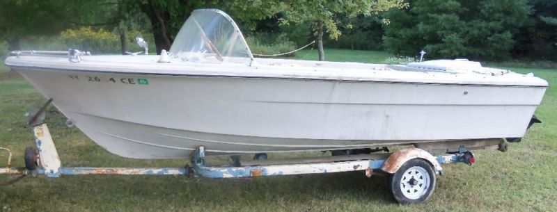 18' DIXIE Fiberglass Boat with 110 Mercruiser & GATOR Trailer