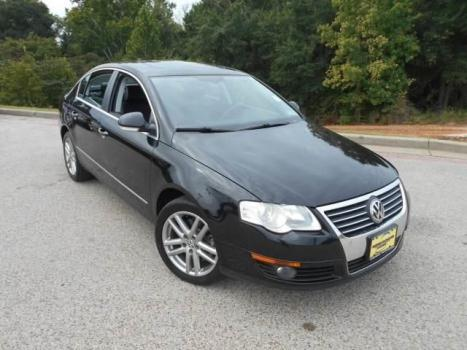 2008 VOLKSWAGEN PASSAT SEDAN 4dr Car