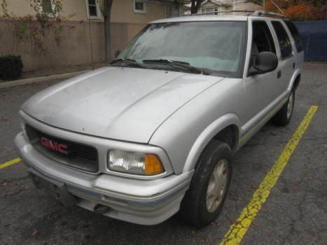 GMC : Jimmy 4dr 4WD SL clean 4x4 Low miles 84000miles 84000miles 84000miles runs great warrantee