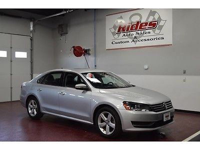Volkswagen : Passat SE One Owner Clean Title Black Leather Heated Seats Auto Transmission