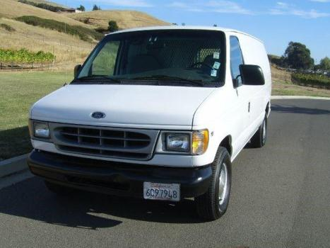 2000 Ford Econoline Cargo Van