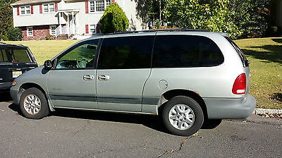 Plymouth : Voyager SE Mini Passenger Van 4-Door 1999 plymouth voyager se cypress green 146 000 miles new jersey dodge caravan