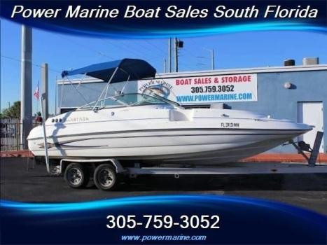 2003 Glastron Dx 235 Deck Boat Low Hours!/Great Condition!