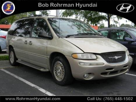 1999 Chrysler Town & Country LX Lafayette, IN