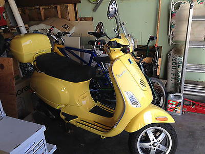 Other Makes : Vespa 2007 rare yellow vespa lx 150 like new only 258 miles one owner