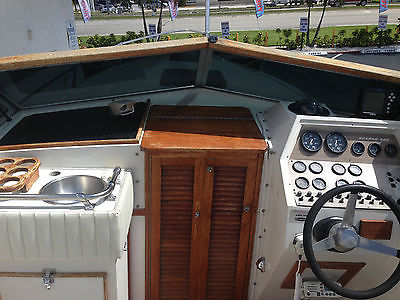 1976 WELLCRAFT SCARAB 31FT FULLY MARINE TECH SERVICED WITH INVOICES