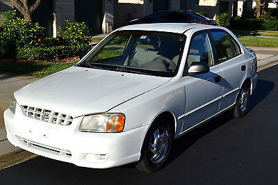 Hyundai : Accent 4D 2001 hyundai accent 125 k great condition cold a c gas saver car