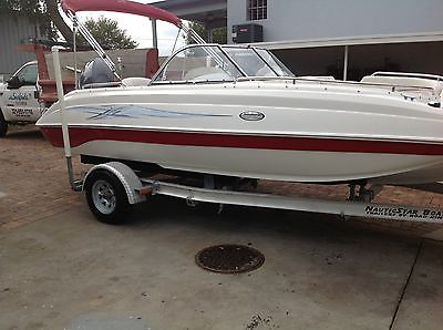 2006 20 ft nauticstar deck boat  similiar to hurricane yamaha 4 stroke w/trailer
