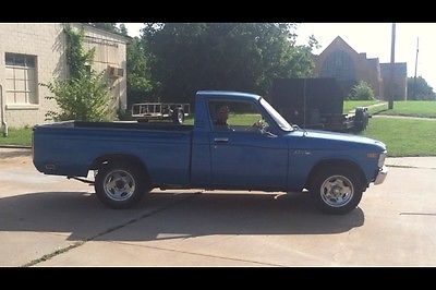 Chevrolet : Other Pickups Blue classic 1975 Chevy Luv original, runs, 4cyl comes w/ 454BBC and 400th trans