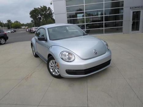 2013 VOLKSWAGEN Beetle 2.5 PZEV 2dr Hatchback 6A w/ Sunroof, Sound and Nav
