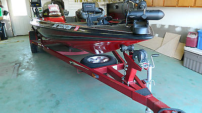 2000 Stratos Pro Elite 295, 20 Foot Bass Boat 200HP Yamaha Series Two Outboard