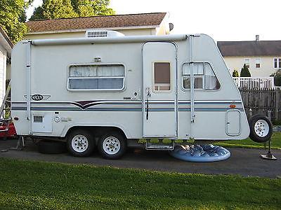 2000 Aerolite Seven trailer/camper