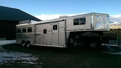 2007 Logan Coach Aluminum XT 3 Horse Gooseneck Trailer with Living Quarters