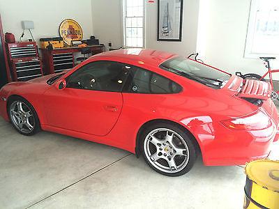 Porsche : 911 Carrera Coupe 2-Door 2006 porsche 911 997 carrera guards red 23 k miles like new condition