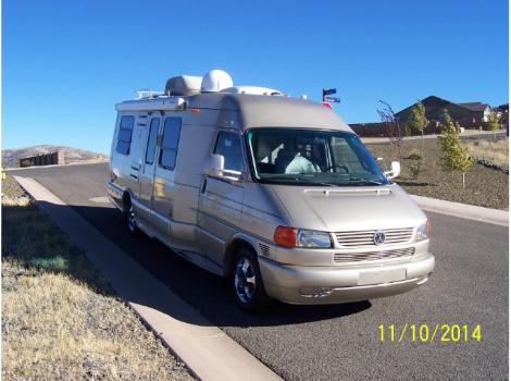 2004 Winnebago Rialta 22HD