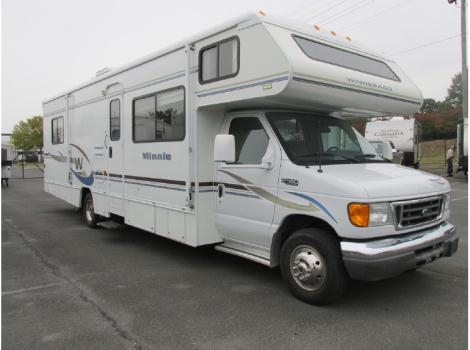 2004 Winnebago Minnie 32G
