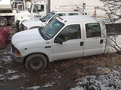 Ford : F-350 XL SuperDuty 2001 ford f 350 xl crew cab pickup truck srw gas triton v 8