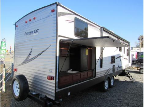 2015 Palomino Canyon Cat 30DBSC