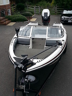 SKEETER SL 210 with 200 HDPI Yamaha motor