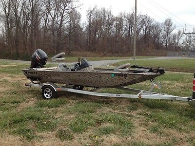 2013 Xpress bass boat 70 Suzuki XP170