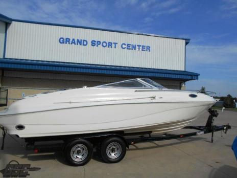 1996 Rinker 232 Captiva Cuddy Cabin with 454 and Switchable Exhaust