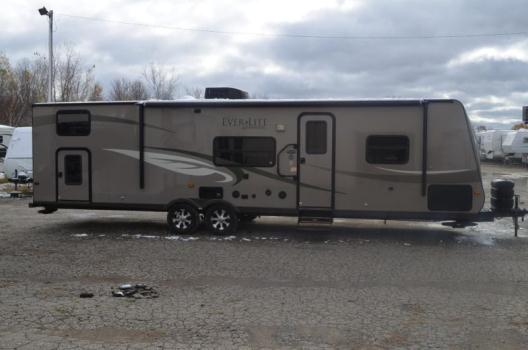 EXTREMELY CLEAN 2010 EVERGREEN EVERLITE QUAD BUNK TRAVEL TRAILER