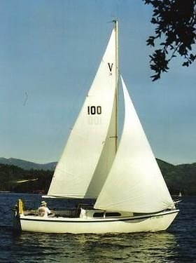 MacGregor 24 poptop Sailboat complete with trailer. sleeps 5