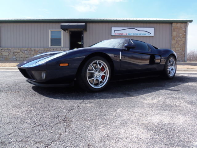 Ford : Ford GT 2dr Cpe Ford GT, Ford GT40, clean, low miles, rare, garage kept, collector