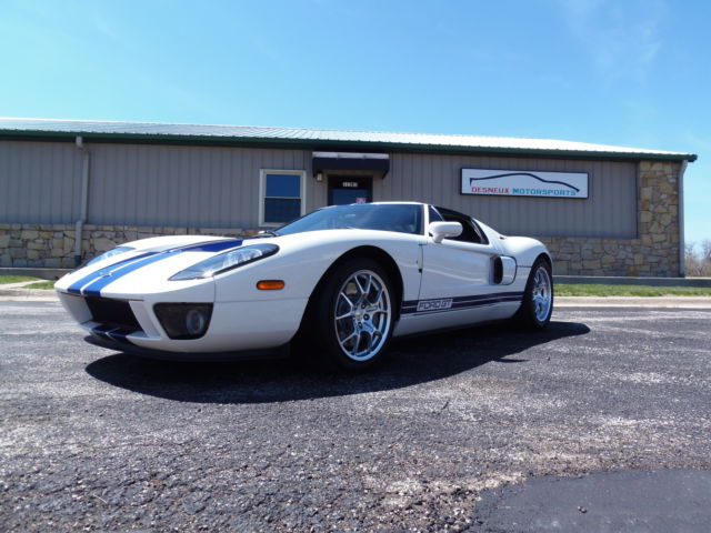 Ford : Ford GT 2dr Cpe Clean, low miles, ford gt, ford gt40, rare, garage kept