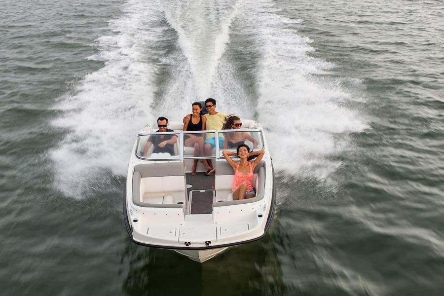 2015 Bayliner 190 Deck Boat