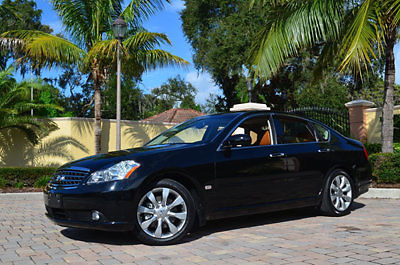 Infiniti : M35 4dr Sedan Sunroof Navigation Heated and Cooled Seats ONLY 35k miles Florida Owned