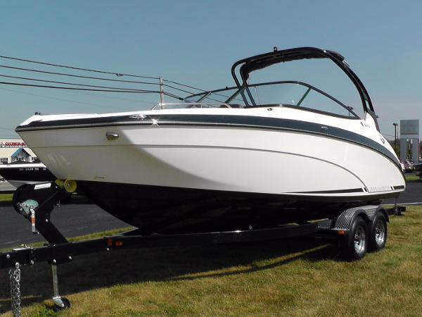 2016 Yamaha Sport Boat 242 Limited S