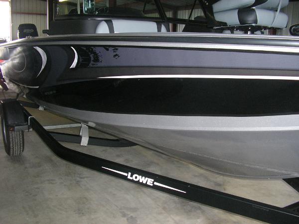 2016 Lowe Fish & Ski FS1810