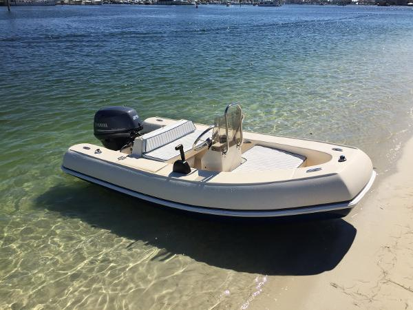2004 BOSS Rigid Inflatable