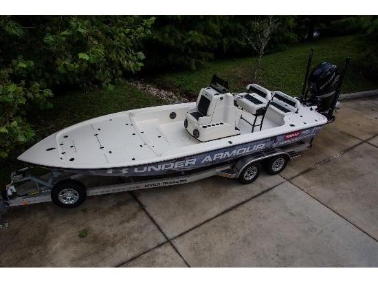 2015 Yellowfin 24 Bay Boat Carbon Elite