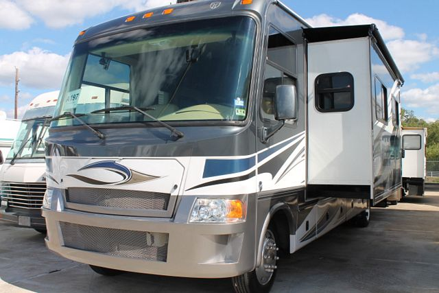 Thor motor coach outlaw series 3611 rvs for sale for Thor motor coach outlaw for sale