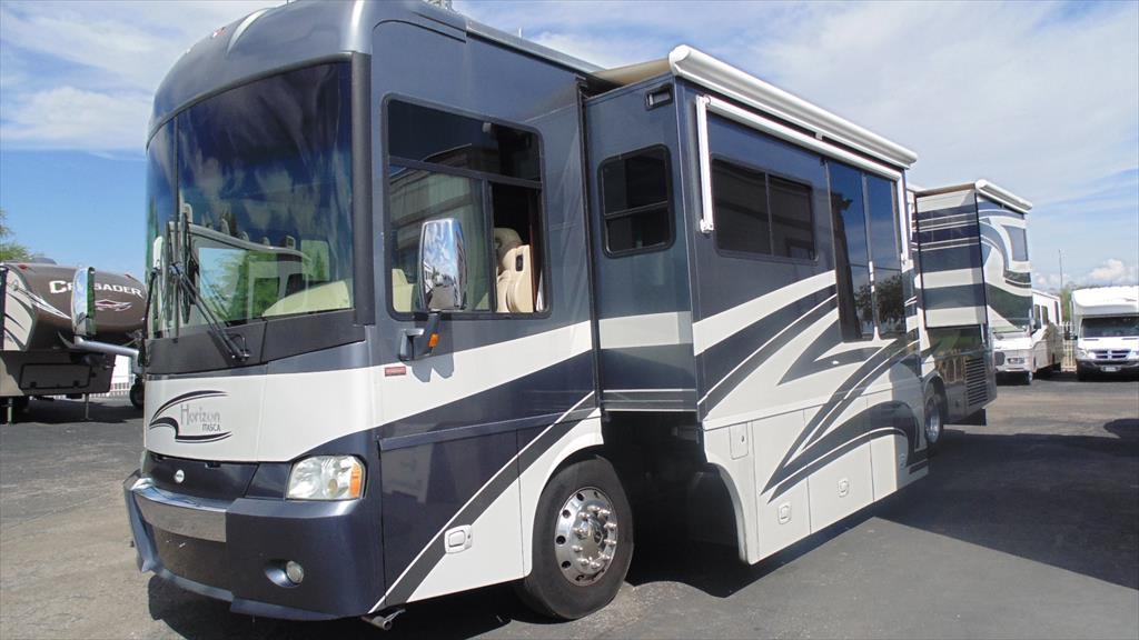 2016 Itasca Navion 24G Slide-Out, By Winnebago Ind.