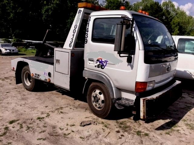 2004 Nissan Ud 1400