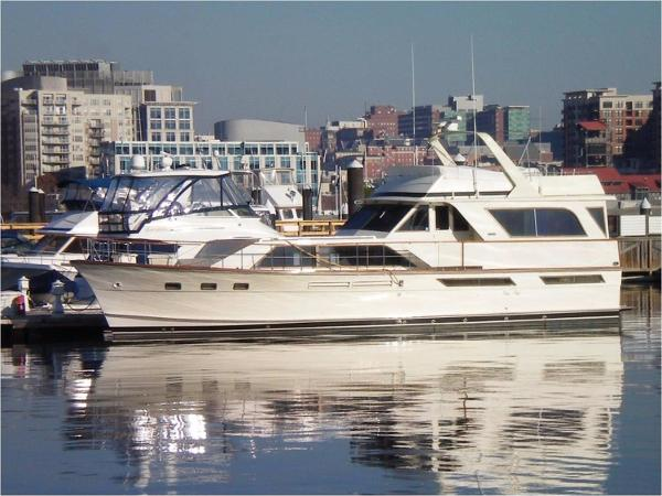 1977 Pacemaker 57 Motor Yacht