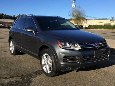 Volkswagen : Touareg TDI V6 DIESEL AWD PANO Navigation 2011 vw touareg tdi diesel awd clean panoramic sunroof bluetooth navigation nice