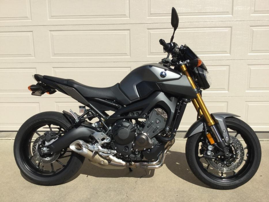 yamaha fz 09 motorcycles for sale in pekin illinois. Black Bedroom Furniture Sets. Home Design Ideas