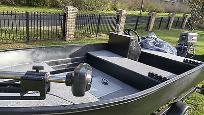 ALUMINUM FISHING BOAT BASS CRAPPIE BOAT COMPLETELY SORTED UPDATED 25 HP JOHNSON