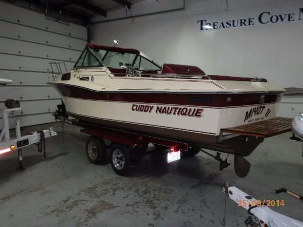 1986 Correct Craft Cuddy Nautique
